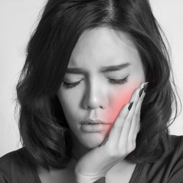 woman tooth ache