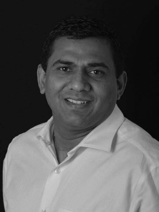Portrait of Dr Dinesh Rao at Integrated Smiles Bendigo